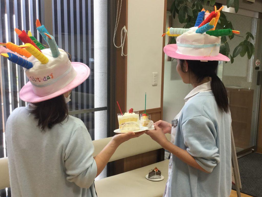 スタッフの誕生日会の様子